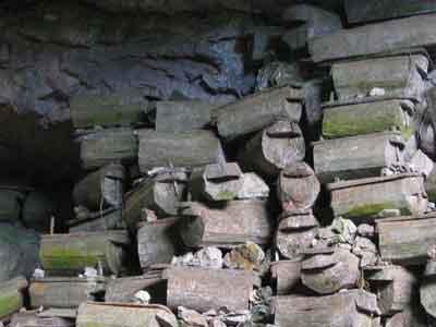 Sagada-coffin-cave