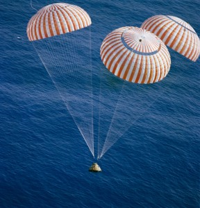 Apollo Parachutes