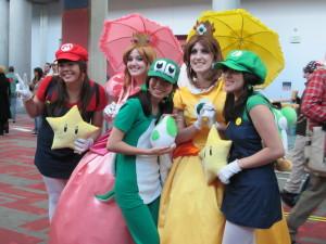 Mario_cosplayers_at_FanimeCon_2010-05-29_2