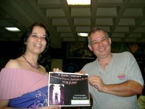 Entrega de premio al ganador de algún Triatlón Aniversario de la Tertulia