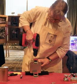 Lynne Taylor Fahnestalk demos 'bot building