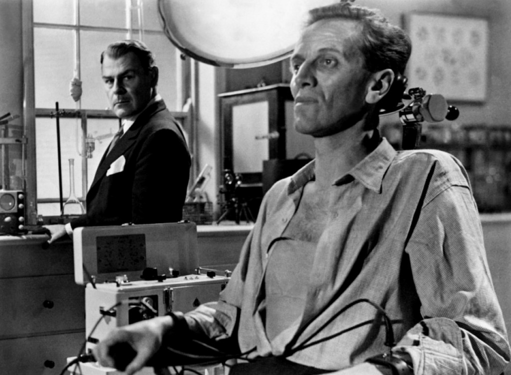 Brian Donlevy & Richard Wordsworth in The Quatermass Xperiment