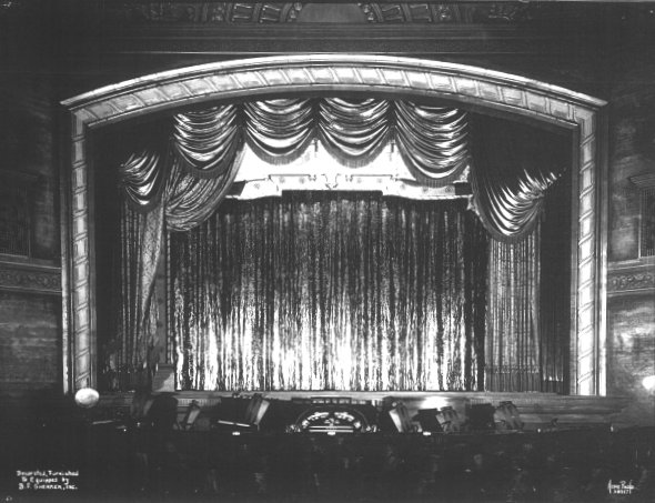 hollywood_proscenium-l