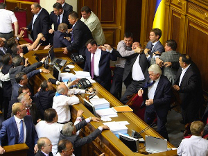 ukrainian-politicians-fighting-5