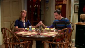 the-big-bang-theory-sheldon-and-mom-at-table-meal-grace