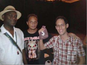 De izquierda a derecha Héctor Saroal González, William Suarez y el ganador del concurso de historieta Ernesto Alejandro Guerra