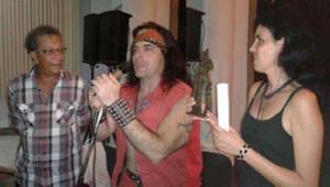 De izquierda a derecha Roberto Estrada, Yoss y Sheila Padrón