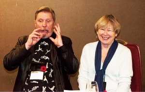 Les and Val Edwards react to a funny story at the WFC 2014
