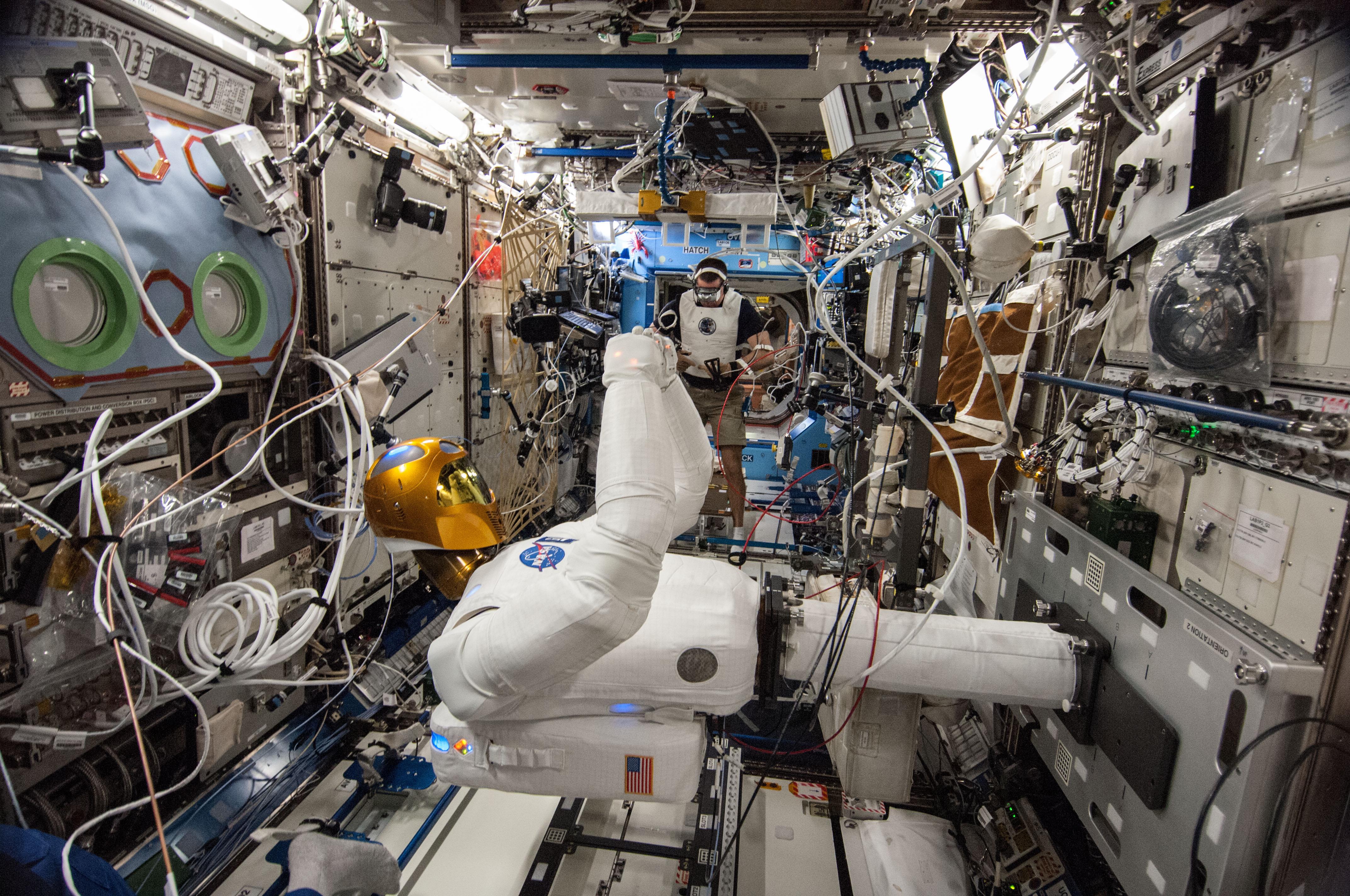 ESA Robonaut on ISS (4)