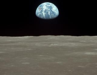 Asni's Art Blog: Moon Landing
