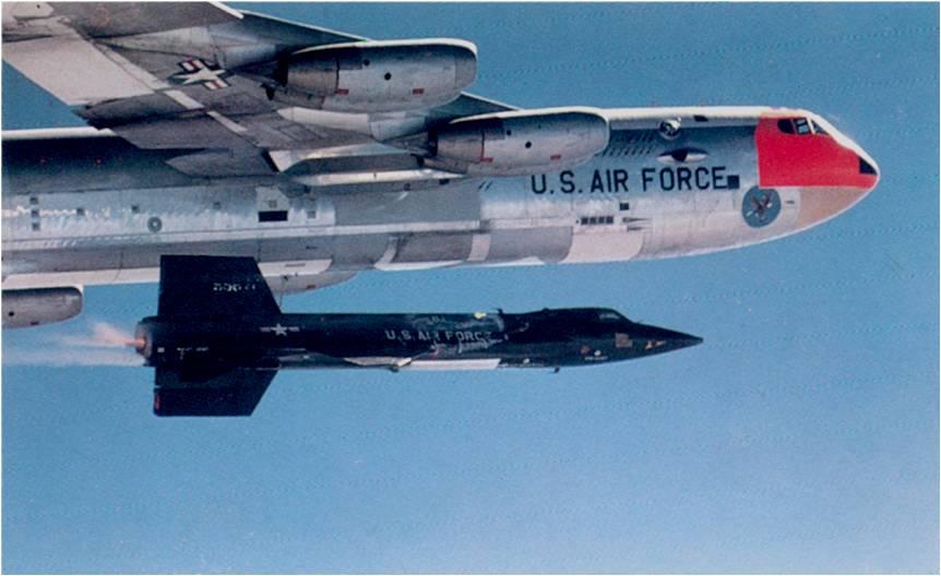 x-15-release-b-52-mach-6-04-mission-09-nov-1961