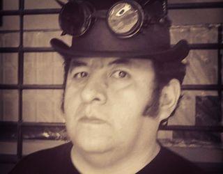 Entrevista a Miguel Sequeiros Cardozo: Minificción de terror y horror