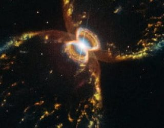 Hubble Celebrates its Birthday With Image of Southern Crab Nebula   Digital Trends