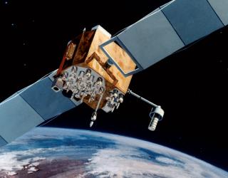 The Pentagon Wants to Build Satellite-Repairing Droids